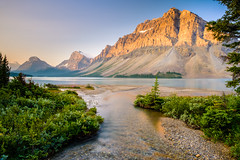 Bow Lake and Crowfoot Mountain (Graeme Tozer) Tags: alberta mountains bowlake canada sunrise cans2s