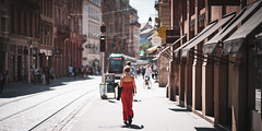 Streets of Strasbourg (Bastian.K) Tags: strasburg strasbourgh portrait environmental sony fe 85mm 14 gm city cities stadt kleid dress woman women frau mädchen elsass street streetphotography strasenfotografie