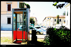 IMG_20180713_104736 (anto-logic) Tags: cabinatelefonica phonebooth superstite survivor passi passeggio passeggiata persone livorno leghorn sole ombre luce luminoso chiaro bello caldo walk walking promenade strada street people free freedom sun shadows arcade light clear daily nice warm beautiful lovely pretty love outdoor streetshots inquadratura wonderful fabulous magnificent superb hot naturallight lighting framing crop charming puntodivista profonditàdicampo pov dof bokeh focus pointofview depthoffield postproduzione postproduction lightroom filtro filter effetti effects photoshop alienskin huawei p20pro