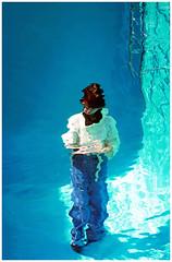 Walking Underwater - 21st Century Museum of Contemporary Art, Kanazawa, Japan (TravelsWithDan) Tags: underwater womaninthepool walkingunderwater wet swimmingpool leandroerlich 21stcenturymuseumofcontemporaryart kanazawa japan asia sunlight canong3x candid