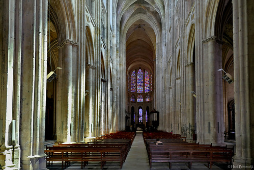 France: Tours cathedral nave