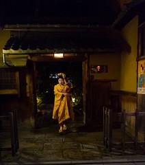 what a lady (robertoferrari2) Tags: street japan fuji night lady geisha