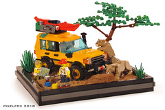 Land Rover Discovery Series 1 (Pixel Fox) Tags: land rover discovery lego diorama off road 4x4 kayak