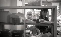 food vendor (elffyb) Tags: elffyb voigtlander bessa bessar3a nokton nokton40 nokton40mm kodak kodakportra400 portra400 film analog streetphotography sailorstrap vietnam hanoi oldquarter