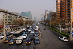 XE3F1477 - Chaoyangmen Inner St, Beijing (Enrique R G) Tags: calle street chaoyangmen inner st chaoyangmeninnerst pekín beijing china fujixe3 fujinon18135