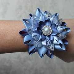 Blue wrist corsage and optional boutonniere! https://t.co/kJoesdywnd #wedding #etsy #shop #bride #weddings https://t.co/NxCMXac32F (petalperceptions.etsy.com) Tags: etsy gift shop fashion jewelry cute