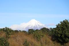 Mount Taranaki (ambodavenz) Tags: mounttaranaki mountegmont mttaranaki mtegmont taranaki volcano newplymouth newzealand mountain snow skyline scenic