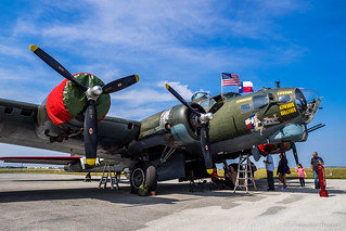 Texas Raiders: WWII B-17G Flying Fortress Bomber
