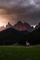 Sankt Magdalena (louhma) Tags: sankt magdalena südtirol italy italien church sunrise alps colorful d750 gipfelglühen