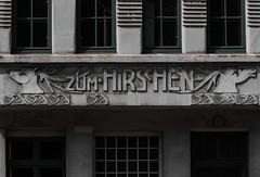 Von Schwänen und Hirschen (michael_hamburg69) Tags: hamburg germany deutschland building haus architektur altbau kielerstrase zumschwanen zumhirschen schwan hirsch kielerstrase61 schriftzug alt retro damals