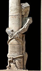 el cautivo. Sagrada Familia. Barcelona (Manuel Capdevila) Tags: marmol jesus cordel amarre pilar