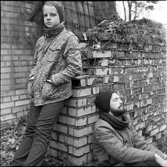 PHSQUAT3146002 (newmandrew_online) Tags: svema belarus minsk mamiya mamiyac220 outdoor 6x6 bw expired lomography portrait