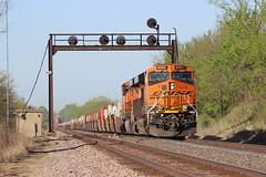 ATSF Artifact (Matt_Schimmel) Tags: bnsf burlingtonnorthernsantafe ge gevo marcelinesub marcelinemissouri signal signalbridge searchlightsignals transcon train locomotive freight stacks rail relic history h3