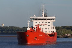 Sten Idun (das boot 160) Tags: stenidun ships sea ship river rivermersey port docks docking dock eastham tanker tankers boats boat mersey merseyshipping maritime manchestershipcanal