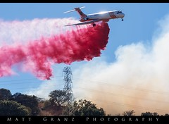 Air Drop in Concord CA (Matt Granz Photography) Tags: md87 jet ericksonaerotanker concord california crystalranchroad montecitoroad contracostacounty fire hills grassfire smoke tower nikon mattgranz lowpass dump retardant firefighter calfire 6292018 mcdonalddouglas aircraft