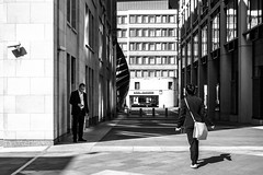 . (Stéphane Dégremont) Tags: streetphotography blackandwhiteonly noiretblanc london street blackandwhite londres stéphanedégremont light