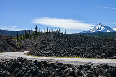 McKenzie Pass - 08 (coopertje) Tags: usa vs united states america verenigde staten amerika oregon pacific northwest sisters mckenzie pass lava fields rocks black volcano vulcano vulkaan road threesisters middle south north willamete national forest mount washington three fingered jack butte