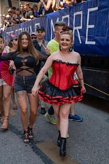 CSD münchen 2018 (fotokunst_kunstfoto) Tags: csd2018 csd2018münchen lesben schwule gayparade csdparade christopherstreetdaymünchen csdmünchen2018 politparade2018 pride prideparade prideweekend tran bisexuellen schwulen gays gayparadelsbti lsbti csd münchen 2018politparadeprideparadegayparadegaygaysschwulenlesbenbisexuellenlsbti csdmuc pridemunich lgbt loveislove queer gay lesbian transgender bi flag rainbow drag