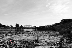 Elbe,Magdeburg, river bed (Isaril) Tags: elbe riverbed magdeburg hubbrücke domfels