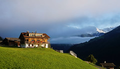 Südtirol (Körnchen59) Tags: südtirol italien italyberge mountains häuser körnchen59 elke körner sony5000