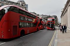 Threadneedle Street (Eddie C3) Tags: doubledecker london street streetscenes sidewalkstories publictransportation england