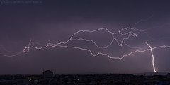 2018.06.21 - 055504 (NIKON D7200) [Amora] (Nuno F. C. Batista) Tags: clouds nuvens amora seixal portugal lusoskies lightning relâmpago thunderstorm trovoada storm night sky nikon severeweather storms photography margemsul skies portuguese meteorology cumulunimbus d7200