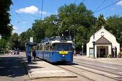 P-Zug 2005/3005 an der Haltestelle Neuhausen (Frederik Buchleitner) Tags: 2005 3005 fahrschule fahrschulfahrt liniee munich münchen neuhausen pwagen strasenbahn streetcar tram trambahn