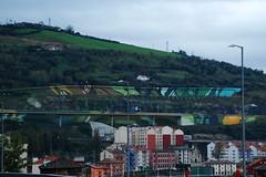 Mural en la autopista (Bilbao, País Vasco, España, 16-11-2013) (Juanje Orío) Tags: 2013 bilbao vizcaya provinciadevizcaya paísvasco euskadi españa espanha espanya espagne spain pintura mural arte art