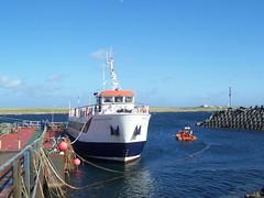 Pentland Venture, Burwick Pier, South Ronaldsay, Orkney Isles, June 2018 (allanmaciver) Tags: pentland venture burwick pier south ronaldsay orkney isles north scotland water blue sky sea vessel arriving allanmaciver