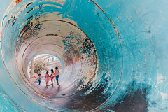 (3) life in the tube... fun, fun, fun (FButzi) Tags: genova genoa liguria italy italia porto antico tubo people fun