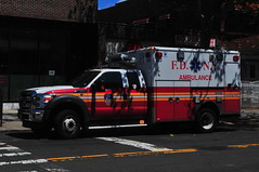 FDNY EMS Ambulance 262 (Triborough) Tags: ny nyc newyork newyorkcity queenscounty queens astoria fdny newyorkcityfiredepartment firetruck fireengine fdnyems ems ambulance ambulance262 ford fseries f450 wheeledcoach