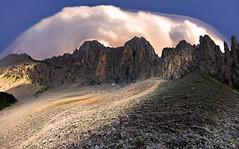 alpi ghiaie (art & mountains) Tags: alpi alps orobie seriana calcare roccia dolomia nuvole termica cielo spazi respiro cime creste torri guglie hiking traversata rifugioolmo ghiaioni natura silenzio contemplazione vision dream spirit