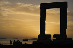 Sunset at Naxos (Christian Wilt) Tags: naxos grèce gr greece sea island antiquity people