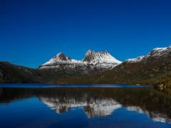Cradle Mt. (3 of 12) (uxbobham) Tags: australia cradlemountain tasmania lake reflection snowcappedpeaks