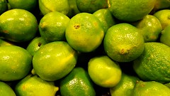 Limes (Studio d'Xavier) Tags: limes green supermarket grocerystore