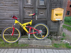 Yellow and yellow... (ZenonasM) Tags: bicycle yellow old house post box