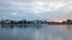 The sun has risen (HansPermana) Tags: szczecin stettin poland polen westpomeranian zachodniopomorskie eu europe europa centraleurope polska hafenstadt hansestadt westoder odra river city cityscape longexposure reflection december 2017 winter