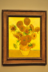 van Gogh: Sunflowers (Gabriel Bussi) Tags: london londra england inglaterra inghilterra angleterre uk united kingdom reino unido イギリス grosbritannien londres national gallery museo musée museum vincent van gogh sunflowers girasoles sonnenblumen