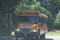 Lakeland CSD #566 (ThoseGuys119) Tags: lakelandcsd schoolbus shruboakny thomasbuilt bluebird