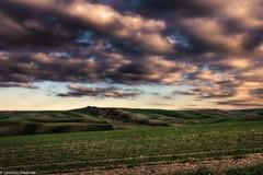 Nuvole strane (SDB79) Tags: nuvole campagna molise paesaggio