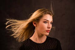 Elisa Bdn 2 (phonia20) Tags: girl woman face look pretty studio beautiful regard visage blonde hair eyes pentax bowens color