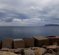 Mare e nuvole! (dona(bluesea)) Tags: mare sea nuvole clouds palermo sicilia sicily foroitalico