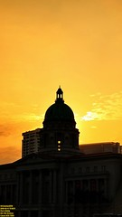 ..golden dusk.. (Ferry Octavian) Tags: canon eos 750d rebel t6i dslr street shot travel trip outdoor noflash handheld explore color colour efs 1855 stm metro metropolis city cityscape modern building skyscraper tower architecture design structure exterior icon landmark supreme court national gallery history historic dusk sunset sun sky skyline horizon orange golden hour beautiful cloud cloudy portrait singapore southeast asia sea capital marina marinabay cbd central business downtown silhouette shadow 1937