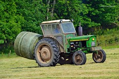(Zak355) Tags: rothesay isleofbute bute scotland scottish tractors tractor bale baling farm farming rothsay johndeere
