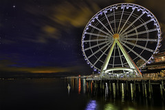 Seattle Nights (LOURENḉO Photography) Tags: night nightphotography seattle ferris wheel ferriswheel waterfront art color view landscape greatferriswheel greatwheel seattlewheel ride bright holiday people visit trip photography picture