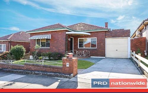 14 Moreton Av, Kingsgrove NSW 2208