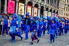Zinneke 2018 - BlaBlaBlue Up (saigneurdeguerre) Tags: europe europa belgique belgië belgien belgium belgica bruxelles brussel brüssel brussels bruxelas ponte antonioponte aponte ponteantonio saigneurdeguerre canon 5d mark 3 iii eos zinneke parade 8 mai mei 2018 zinnode blablablueup blablablue