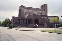 Fritz Schumacher (flyerkat_L.E.) Tags: fritz schumacher ohlsdof hamburg city architecture friedhof film analog kodakultramax400 nikon fm2 35mm