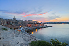 Valetta sunset (Rob McC) Tags: sunset duskgoldenhour valetta malta citadel fort fortification landscape cityscape waterfront harbour architecture buildings nightandlight