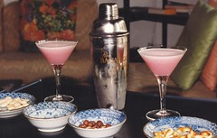 Pink Lady Cocktail (heraldeixample) Tags: heraldeixample barcelona bcn spain espanya españa spanien catalunya catalonia cataluña catalogne catalogna còctel cóctel cocktail pinklady combinat ngc nationalgeographic albertdelahoz